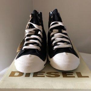 New in box Woman's diesel high top sneakers 7.5